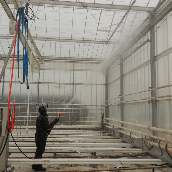 Cleaning the inside of the greenhouse with GS-4